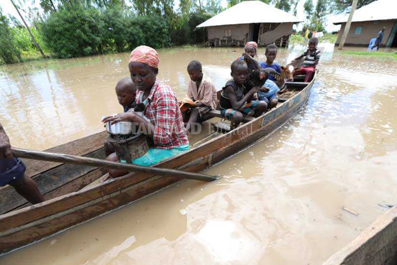 Kenya flooding: 'we are staring at another humanitarian crisis'